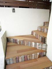 木材を使った外階段リフォーム木材を使った外階段リフォーム