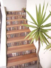 グリーン木材を使った外階段リフォーム
