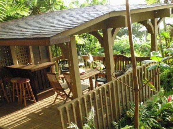 ハワイ島のコンドミニアムの庭にあったよね、そんな気分に毎日なるラナイデッキ|東京都S様邸