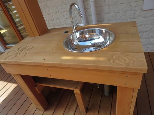 ハワイアン木彫り師のパレマが作る可愛い家具・エクステリア