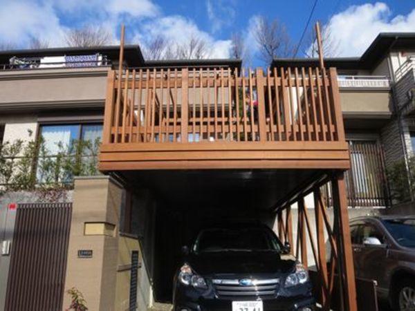 一部屋増えたような囲われ感あるパーゴラLDKデッキで外生活を楽しむ|川崎市S様邸
