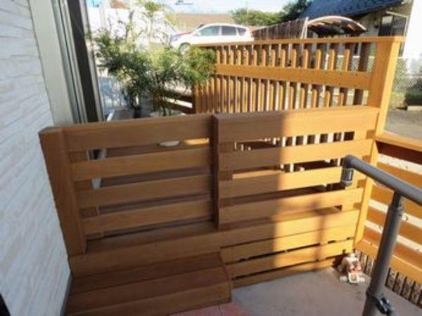 ウッドスライドドアで開放的も密閉式もできる。目隠しフェンス&安心空間|横浜市旭区S様邸