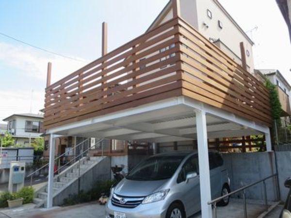車庫上が庭にもつながった、プチこども自然公園オアシスガレージウッドデッキ 東京都W様邸のサムネイル