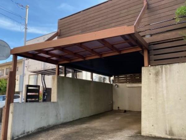 駐車場に屋根造りました